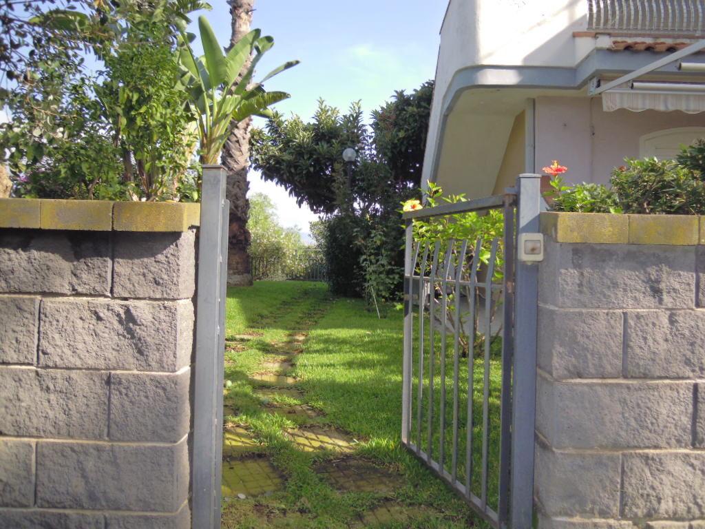 Casa vacanza con giardino/terrazza e garage   Agenzia FS Immobiliare
